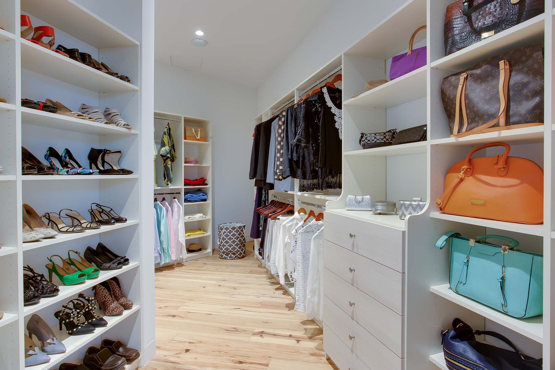 source ky size home closet shelves factory interior of throughout full concepts questions in reach captivating organizing lexington mas design mans modern a have